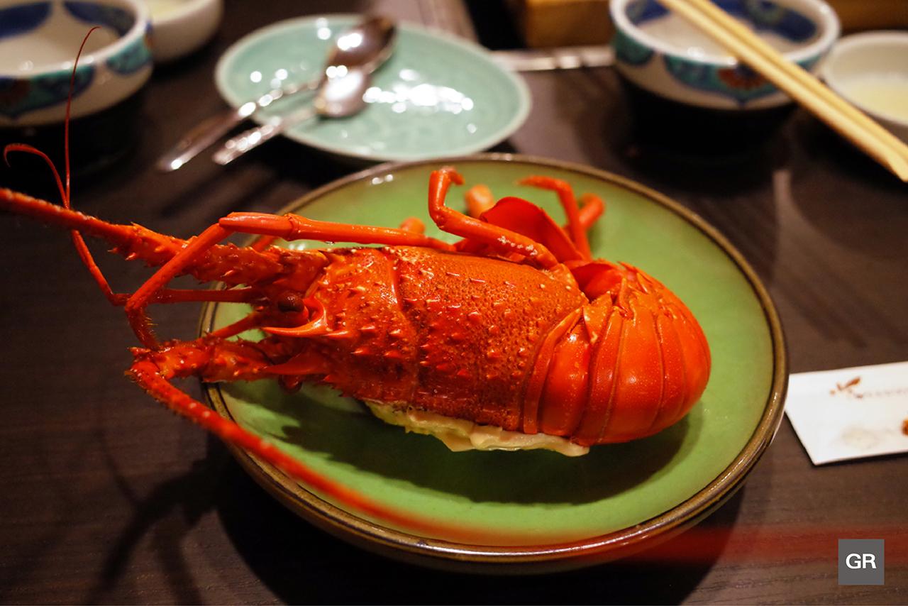 กุ้งมังกรอิเสะ (ISE EBI) แบบนึ่งไอน้ำของร้าน KAGETU