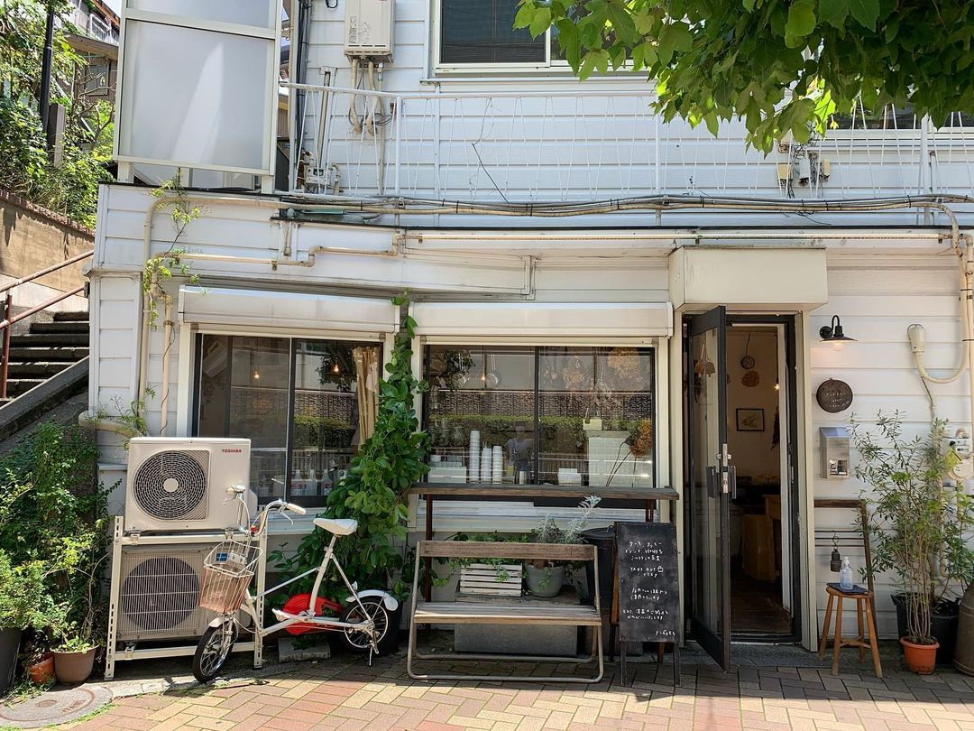 คาเฟ่โตเกียว : Anzu to momo เสิร์ฟขนมโฮมเมดที่ร้านเบเกอรี่แสนอบอุ่นใจ