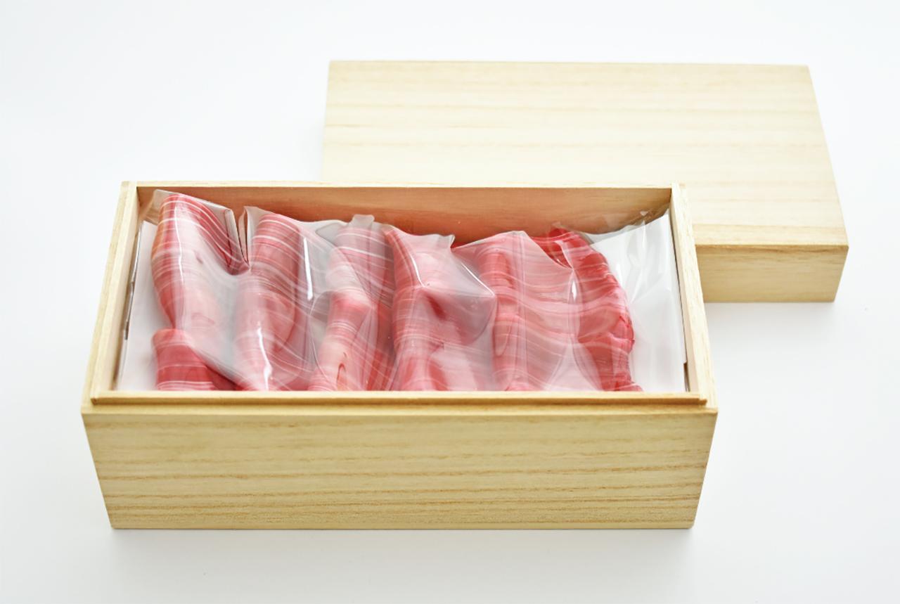 Beef Candy ในกล่องไม้หรูหรา ราคา 1,500 เยน