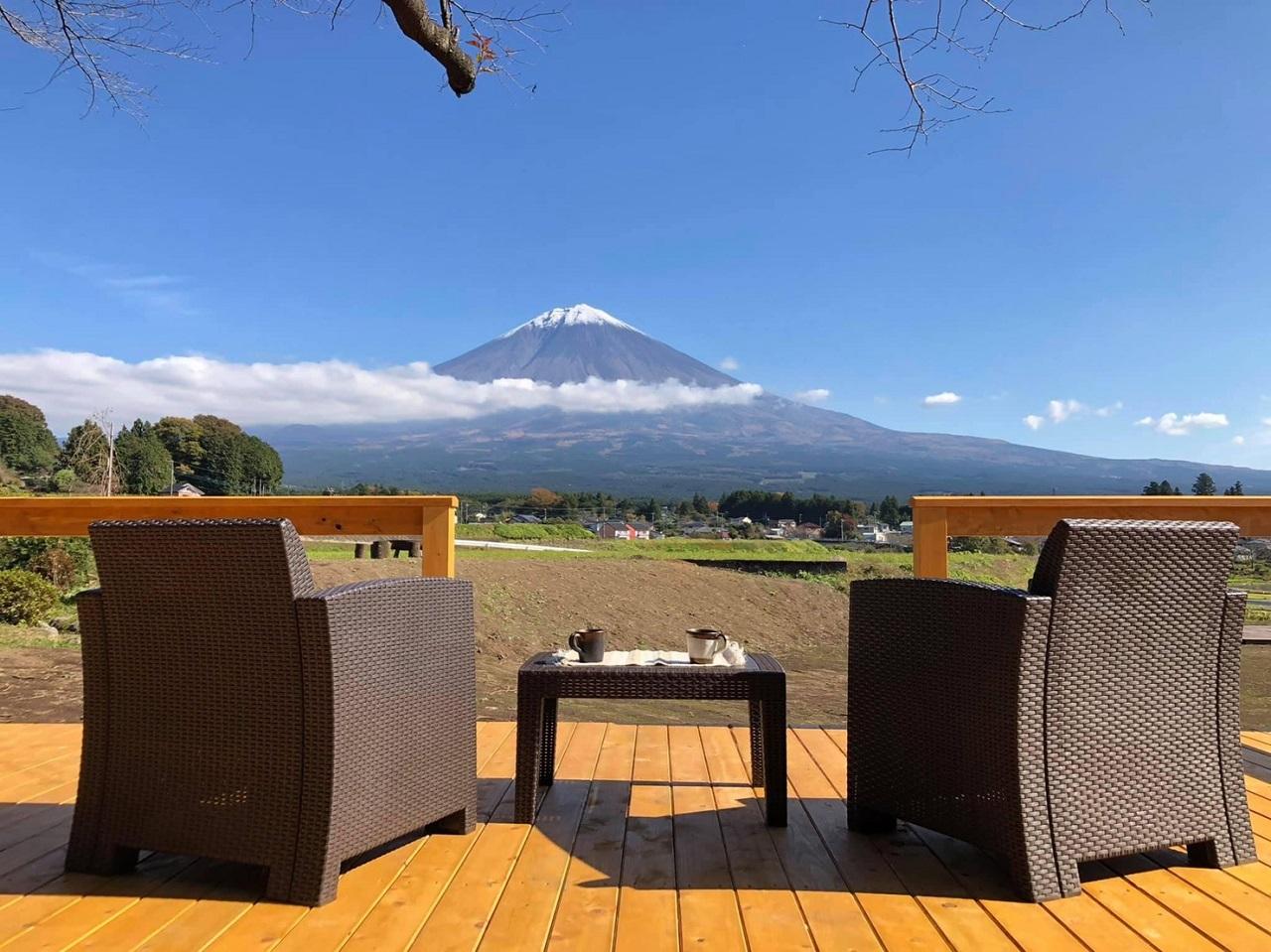 ตื่นเช้ามาจิบกาแฟพร้อมชมวิวชิลล์ๆ ที่ MT. FUJI SATOYAMA VACATION