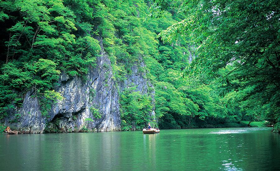 ฤดูร้อน อาโอโมริ อิวาเตะ ที่ Geibikei Gorge