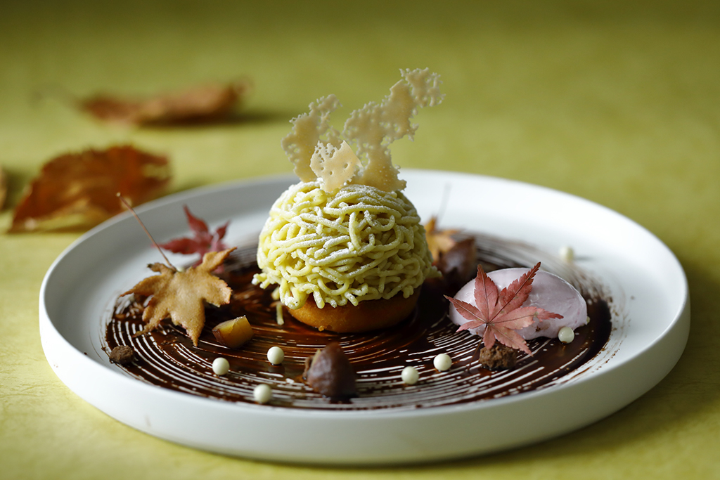 Hachette Desserts : Kumamoto Waguri Mont Blanc with Maple Milk Ice-cream มองบลังค์เกาลัดกับมาสคาโปนชีส