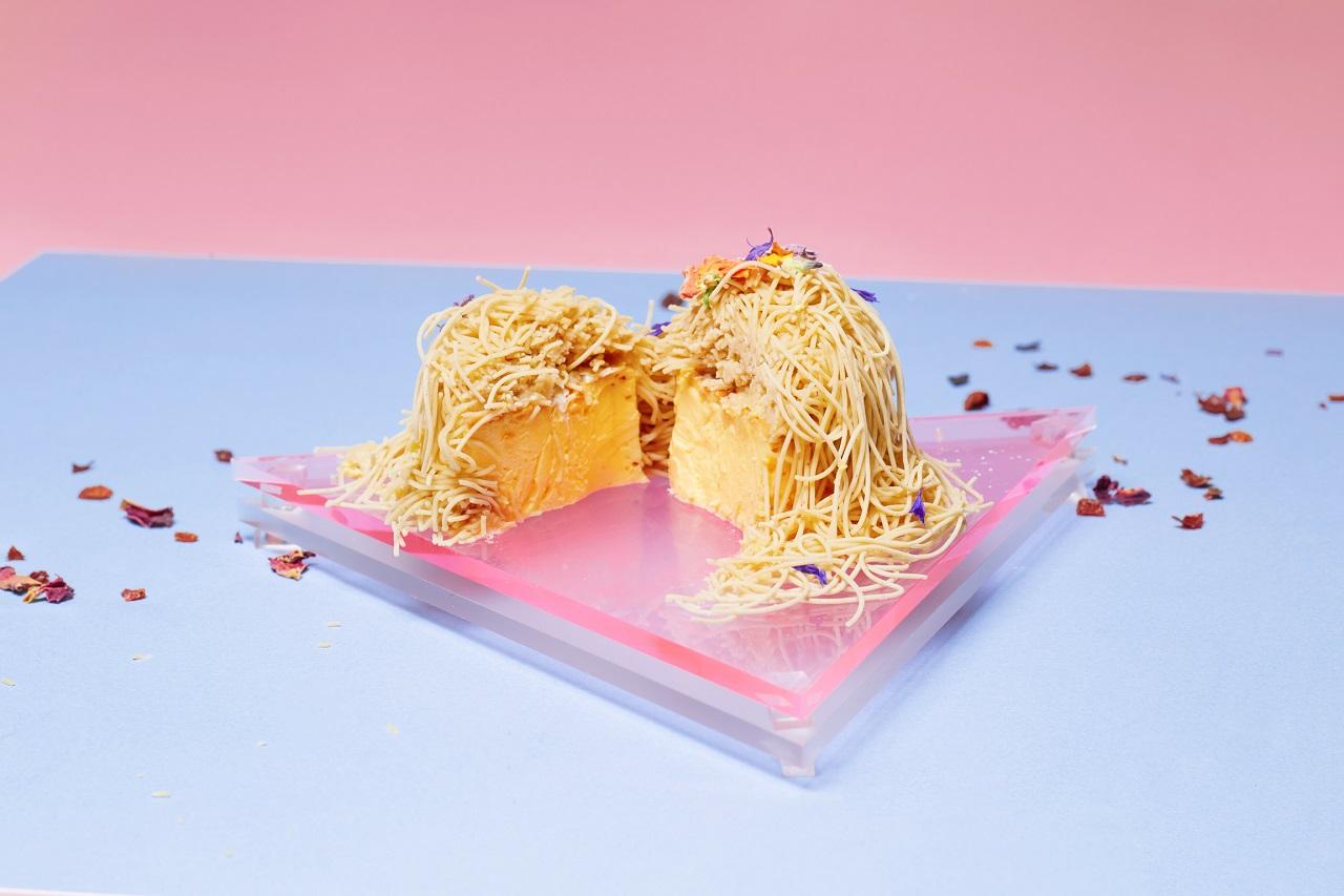 พุดดิ้งมองบลังค์ (Pudding Mont Blanc) ราคา 800 เยนต่อชิ้น